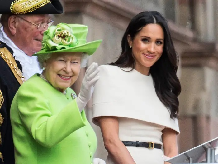 Will the racist Queen forces Meghan to suffer the fate of Diana?