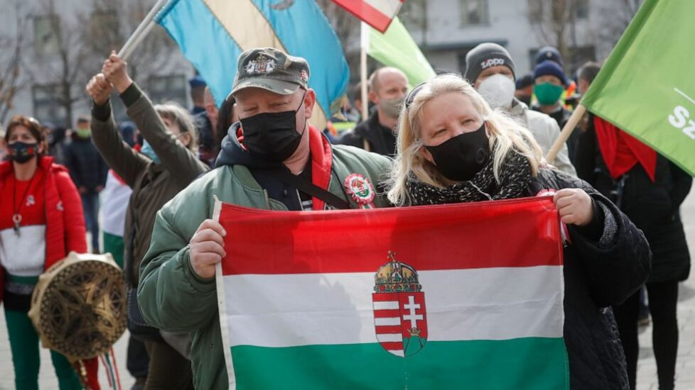 Protests in Budapest to overthrow the right-wing government